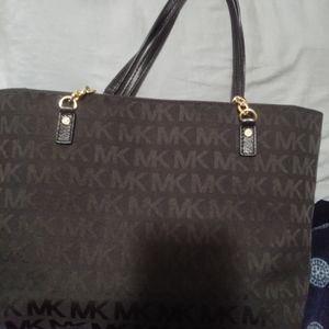 Aunthentic Michael kors bag